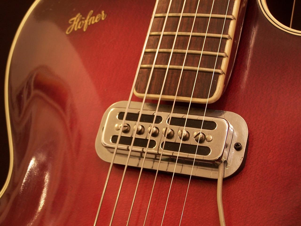 appraising a vintage guitar. Black Bedroom Furniture Sets. Home Design Ideas